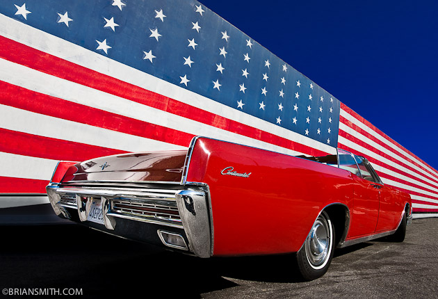 Red, white and blue Lincoln Continental in Los Angeles - Ameicana