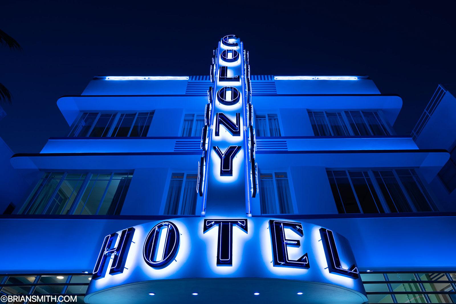 Sony FE 20mm F1.8 G Colony Hotel Miami Beach