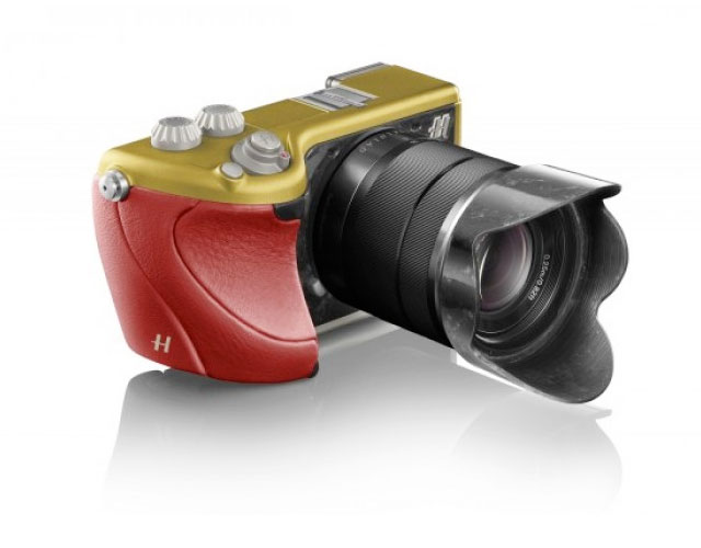 Hasselblad-Lunar-Red-Gold