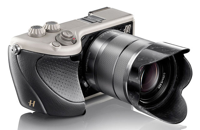 Hasselblad-Lunar-Black-Leather