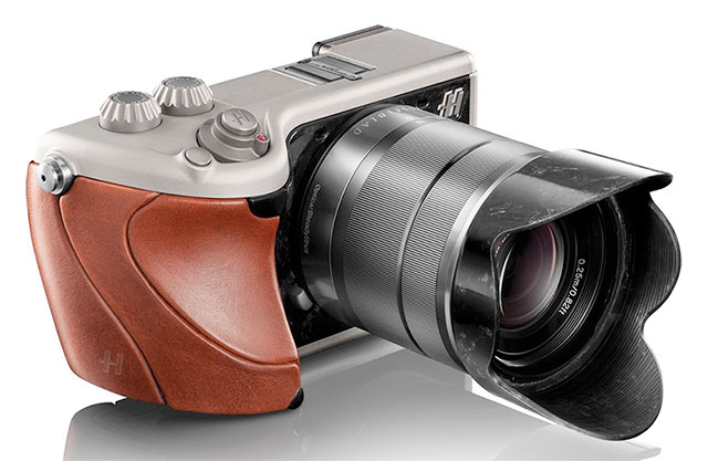 Hasselblad-Lunar-Brown-Leather