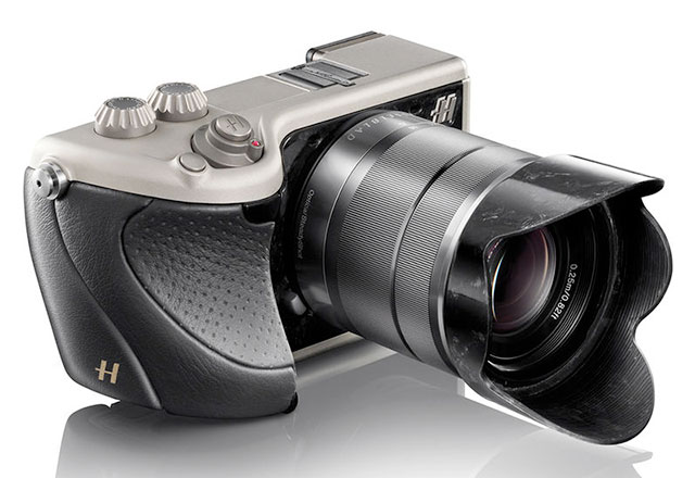 Hasselblad-Lunar-Camera-Black-Leather