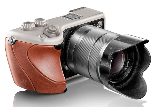 Hasselblad-Lunar-Camera-Brown-Leather