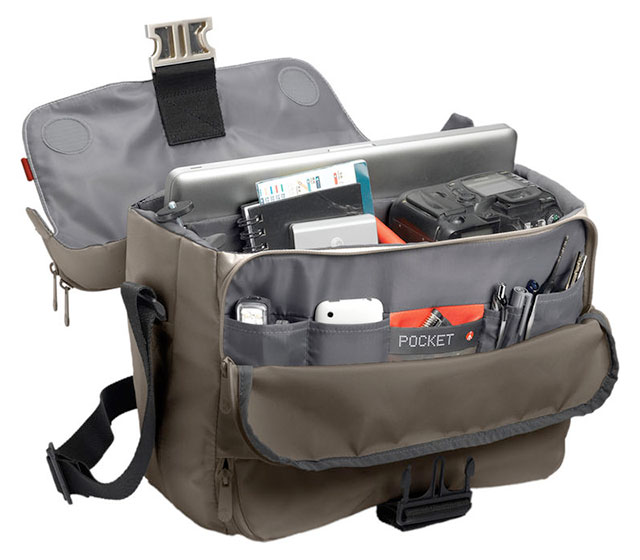 Manfrotto-Stile-Collection-Unica-VII-Messenger-Bag-Open