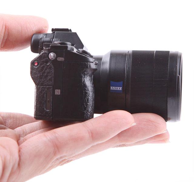 Mini-Sony-a7II-03