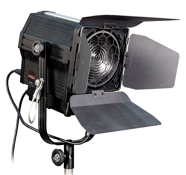 Mole-Richardson-100-Watt-LED-Fresnel