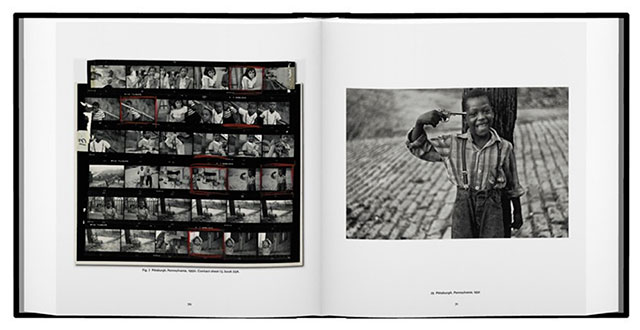 Elliott-Erwitt-Home-Around-The-World-1
