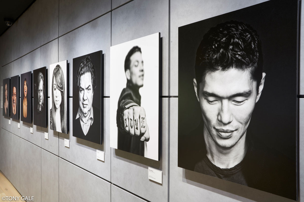 Exhibition Booth Photography : Sony square nyc presents brian smith heads tales