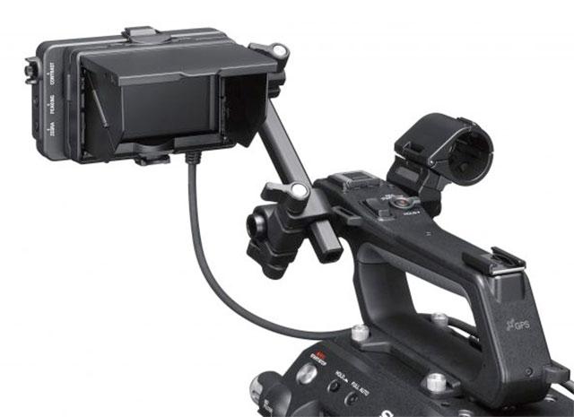 Sony-FS7-II-LCD-Mic