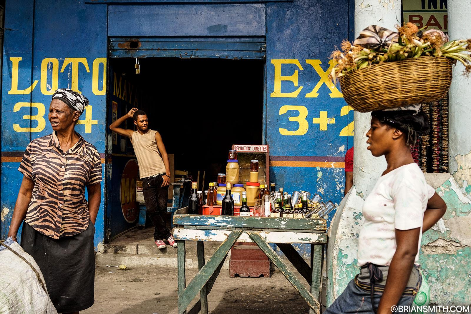 Sony a7r camera with zeiss fe 35 za lens street photography haiti