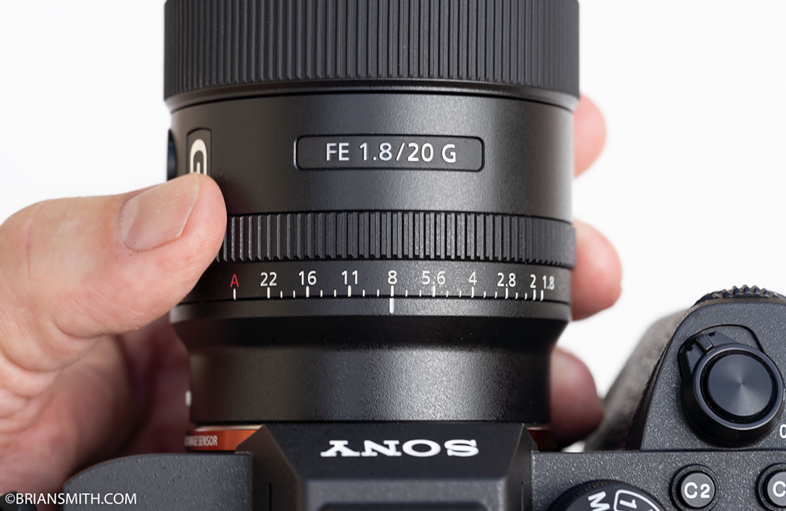 Sony FE 20mm F1.8 G aperture ring